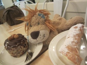 Lewis the Lion indulges in a cake or two in St Kilda