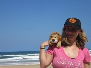 Lewis the Lion rests on Helen's shoulder whilst looking at this idyllic sand island