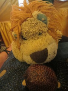 Lewis the Lion tries a fruit which tastes a bit like strawberries