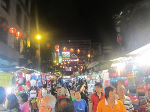 The bustling market of KL's Chinatown
