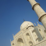 Lewis the Lion admires the Taj Mahal from below