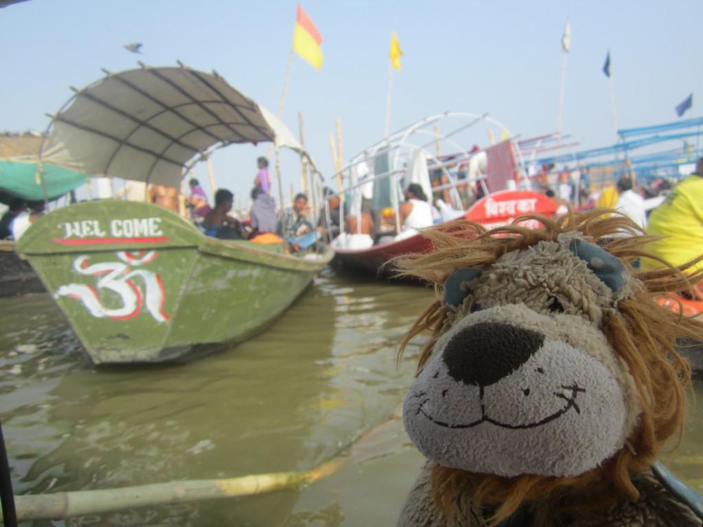 Many boats bring the pilgrims